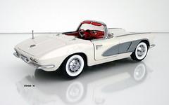 1961 Chevrolet Corvette Roadster (JCarnutz) Tags: 124scale diecast danburymint 1961 chevrolet corvette