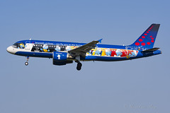 BEL_A320_Smurfs_OO-SND_BRU_JUL2018 (Yannick VP) Tags: civil commercial passenger pax transport aircraft airplane aeroplane jet jetliner airliner sn bel brusselsairlines airbus a320 320200 oosnd aerosmurf belgianicons smurfs special livery colours color paint logojet brussels airport bru ebbr belgium be europe eu july 2018 approach landing rwy 01 aviation photography planespotting airplanespotting