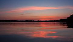 IMG_4539-1 (Andre56154) Tags: schweden sweden himmel sky wolke cloud wasser water ufer abendrot afterglow meer spiegelung reflection dämmerung landschaft landscape
