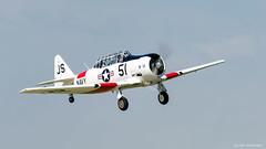 North American T-6 Texan (dpsager) Tags: 2018 dpsagerphotography eaaoshkoshairshow northamericant6texan oshkosh wisconsin aircraft airplane airshow eaa airventure osh18