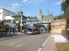 Stagecoach South West 15307 (Welsh Bus 18) Tags: stagecoach southwest scania n250ud adl enviro400mmc 15307 yn67yjp torquay caryparade hop12 h4529f