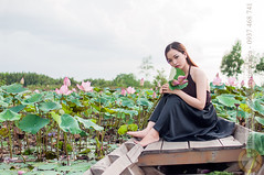 One day I'll touch your soil, my tree, my roots, my begin (Hosting and Web Development) Tags: lotus pond portrait ship boat flower leg leaf leave tree shoulder sit sky sigma 30mm nikon morning day costume dress young one outdoor outside horizontal hold arm asia vietnam person áoyếm yem