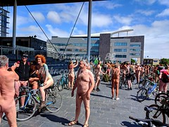 IMG_20180616_152646w (Kernow_88) Tags: cardiff wales wnbr world naked bike cycle ride worldnakedbikeride worldnakedcycleride june 2018 uk greatbritain great britain sun sunshine nude men weather women protest public safety bluesky city cycling centre crowd crowds cyclists cyclist center day days earth freshair nature nudity outside outdoor out outdoors people queens square publicity view clear sky blue topless