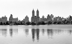 Central Park, NYC. (setpower1) Tags: newyorkcity nyc minoltasrt102 minolta55mmf17mcrokkorpf hoyak2 kodaktrix kodakd76 35mmfilm bw vintagefilmcamera