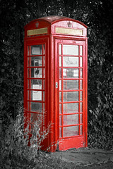 phonebox wormshill (Jez22) Tags: phonebox iconic red phone booth wormshill village kent rural selective colour color telephone british box traditional britain england communication english public architecture callbox nobody kiosk communications copyright jeremysage