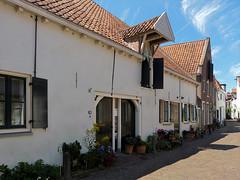 Street 'Muurhuizen' in Amersfoort (joeke pieters) Tags: 1410772 panasonicdmcfz150 amersfoort utrecht nederland netherlands holland muurhuizen straat street