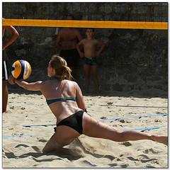 Volley Playa - 087 (Jose Juan Gurrutxaga) Tags: file:md5sum=ea8eb12600b3907f17b5b2127e0af43b file:sha1sig=ecfbbad777332a54362aa883171f607f4741b7db volley playa beach hondartza boleibol voleibol semana grande zurriola donostia
