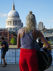 South Bank Singer (David B. - just passed the 5 million views. Thanks) Tags: london uk england britain greatbritain unitedkingdom tate modern museum tatemodern singer stpaulscathedral stpauls cathedral thames river a6000 ilce6000 sonya6000 sonyilce6000 sony