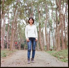 000913060005 (Steven Tsai (正港蔡爸)) Tags: hasselblad501c hasselblad planar135f100mm fujifilmpro160ns mediumformat analog film filmphotography