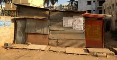 pic.0215.0 (phil.gluck) Tags: india bangalore slum cinema cricket