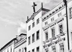 (marco.toet) Tags: roof angel shopping bavaria bayern highkey wandern hiking architecture oldbuilding monochrome zwartwit blackwhite blackandwhite schwarzundweiss schwarzweiss noiretblanc bw passau duitsland germany deutschland