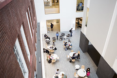 171002_3968_campusstock064 (greentufts) Tags: campusstock campus medford students student sec scienceandengineeringcomplex atrium medfordsomerville mass unitedstates usa