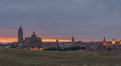 Segovia. (Amparo Hervella) Tags: segovia españa spain paisaje cielo árbol ciudad hierba nube anochecer d7000 nikon nikond7000