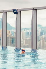 _Q9A1326-1 (gaujourfrancoise) Tags: china chine hongkong swimmingpool piscine gaujour