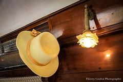 Prendre son canotier (thierrycoulon1) Tags: train orientexpress chapeau canotier ete thierrycoulon canon