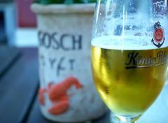 Refreshing of the day (BeMo52) Tags: anchor anker beer bier glas hummer kondenswasser lobster sektkühler table tisch