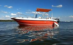 [Explore #78] Capri meets Müritz (Froschkönig Photos) Tags: capri meets müritz caprimeetsmüritz boot tour wochenende kölpinsee auszeit rot red rosso spiegelung baden cool klink fleesensee explore