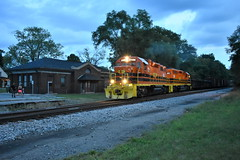 Dusk Departure (Robby Gragg) Tags: cfe gp382 2106 hobart