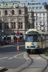 Vienne - Baden (Jean (tarkastad)) Tags: tramtour2018 tram tramway strasenbahn bim tarkastad streetcar vienne vienna wien österreich autriche austria lightrail lrt interurbain stadtbahn panneaux signs métro metro ubahn subway underground