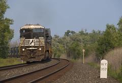 Q003 - Macedon (Wayside Railography) Tags: ns csx rochester subdivision intermodal railfan nathan p5 macedon ny cp 359 357