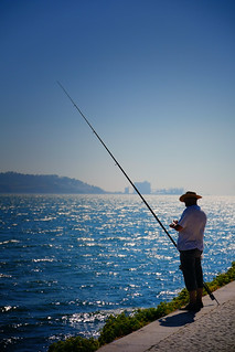 Fishing on the banks of the Tagus