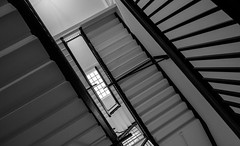 Maine State House (jtr27) Tags: dscf0564xl jtr27 fuji fujifilm xt20 xtrans xf 1855mm f284 rlmois lm ois kitlens kitzoom maine statehouse augusta stairway stairwell abstract diagonal