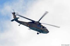 Chel Ha'avir Sikorsky UH-60 Black Hawk/Yanshuf '567' overflying Israeli coastline (Mosh70) Tags: israel israelairforce chelhaavir sikorskyuh60blackhawk boeingah64dapache boeingah64dsaraf