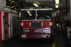 FDNY Engine 221 (Triborough) Tags: ny nyc newyork newyorkcity kingscounty brooklyn williamsburg fdny newyorkcityfiredepartment firetruck fireengine engine engine221 seagrave