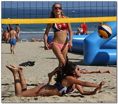 Volley Playa - 001 (Jose Juan Gurrutxaga) Tags: file:md5sum=3c66e87f8552e1bc3b519690a0b8a248 file:sha1sig=5d7260927697acf5f044894d731ab64f8331cfe5 volley playa beach hondartza boleibol voleibol semana grande zurriola donostia