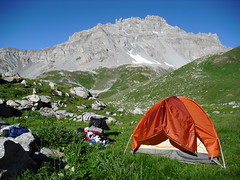 Rando 2018 (64) (Mark Konick) Tags: alpen alpes alpi alps backpacking bergsee bergtour bergwandern bivouac gebirge hiking lac lago lake markkonick montagnes mountains nathaliedeligeon randonnée trekking wandern italy italie italia italien france francia frankreich bouquetin ibex cabramontés stambecco steinbock chamois camoscio gamuza rebeco gams gämse gemse gämsbock gemsbock moutons sheep vaches vacas kühe mucche vacche cows cascade chuted'eau waterfall wasserfall cascata cascada saltodeagua