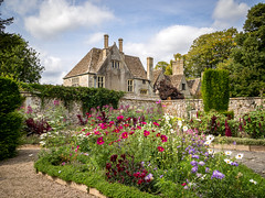Avebury Manor, Wiltshire (Bob Radlinski) Tags: avebury aveburymanor cotswoldsbath england europe greatbritain nationaltrust uk wiltshire travel em1c9869orf