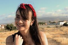 0071 (RunieMl) Tags: campo artístico paisaje fondo chica ofnelaof