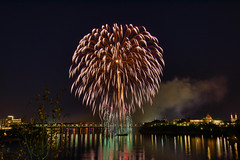 100A1073 (CdnAvSpotter) Tags: 2018 aug 4 casino lacleamy sound light fireworks les grand feux ottawa river nightphotography long exposure spain