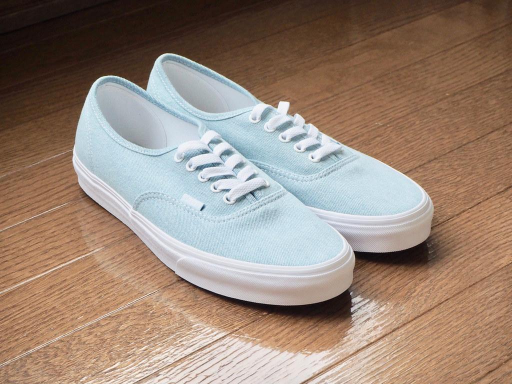a8ac1753dae9e5 P6210033 (uki cafe) Tags  japan hokkaido olympus omd em10markⅱ shoes  sneaker vans authentic babyblue