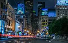 post street lights (pbo31) Tags: sanfrancisco california nikon d810 color august 2018 summer boury pbo31 night dark black unionsquare poststreet lightstream traffic roadway motion infinity city urban skyline billboard ad apple streetlights