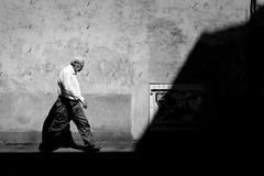 Into the shadows I (Nicolas Winspeare) Tags: candid decisivemoment lemans moments photography scene sonya7r3 bw bestcamera city france primelens shadows street