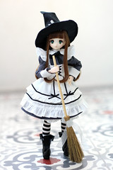 """"""" Let's clean the house!"""" (Nina's Doll *MAKEUP COMMISSION CLOSED*) Tags: obitsu doll eiri uemura azone azonejp pure neemo outfit witch anime"""