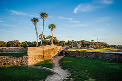 Castillo De San Marcos (J. Parker Natural Florida Photographer) Tags: staugustine saintaugustine firstcoast florida historic history historicflorida fort castillodesanmarcos coquina old morning vsco vscofilm color palm palmtree outdoor