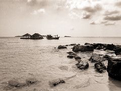 Hon Thom, Phu Quoc, Vietnam (Kevin R Thornton) Tags: anthoiislands phuquoc galaxys8 landscape asia pineappleisland honthom mobile samsung vietnam nombay travel thànhphốphúquốc tỉnhkiêngiang vn