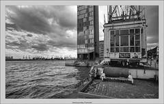 Hamburg analog: Fischmarkt (Dierk Topp) Tags: bw brooksplaubelveriwide100 berggerpancro400 fischmarkt hh plaubel superangulon847mm veriwide analog architecture clouds hamburg monochrom sw
