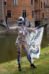 Bodypaint art (Red Cathedral uses albums) Tags: redcathedral aztektv sony alpha slt mkii sonyalpha a77ii a77 dslr sonyslta77ii translucentmirrortechnology wanderlust digitalnomad alittlebitofcommonsenseisagoodthing eventcoverage travellingphotographer cosplay larp elftopia deinze castle ooidonk sintmartensleerne motorcycle bodypainting bodypaint