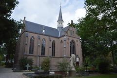 Kapel begraafplaats st.Barbara, Utrecht (mokeniekie) Tags: kapel stbarbara utrecht begraafplaats