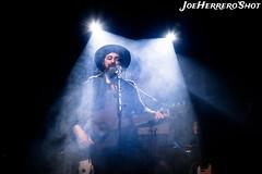 Elsanto y Los Huaqueros (Joe Herrero) Tags: seleccionar aprobado elsanto concierto concert bolo gig rock folk country music