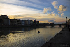 Tinte di cielo (antoniomolitierno) Tags: tinte cielo nuvole fiume ponte barca rematori palazzi tramonto lanterna lampione passeggiata atmosfera gommone motoscafo acqua increspatura firenze toscana italia carraia muro muretto magia dyes sky clouds river bridge boat rowers palaces sunset lantern street lamp walk atmosphere rubber dinghy speedboat water ripple florence tuscany italy cochere wall magic colori colors canon eos 1100d vivofirenze vivoitalia vivotoscana arno