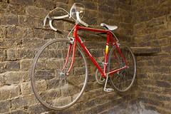Memory (Iñaki San Pedro) Tags: sport deporte ciclismo adobe bici bicicleta antiguo old bicicle bike ngc
