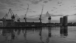 Nostureita Nosturilta. Helsinki, Aug 11th 2018.  #telakka #dockyard #shipyard #nosturi #crane #munkkisaari #hietalahdenranta #visithelsinki #helsinki #visitfinland #meri #sea #landscape #seascape #sunshine #auringonpaiste #maisema #auringonlasku #sunset #