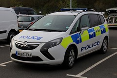 Cleveland Police Vauxhall Zafira Dog Section Car (PFB-999) Tags: cleveland police vauxhall zafira mpv dog section car vehicle unit van wagon k9 lightbar grilles leds nu63jxa