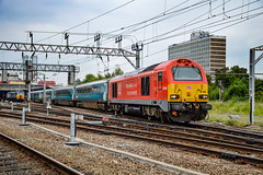 67013 + 82308 - Crewe - 21/06/18. (TRphotography04) Tags: db cargo uk 67013 leads 4 atw mk4s dvt 82308 out crewe working 1t03 1345 holyhead