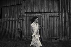 Elisa (VINSO Photographie) Tags: nikon dàà art french vinso photographer model woman country campagne grange d800 flowers arcachon bordeaux gironde lifestyle wedding dress