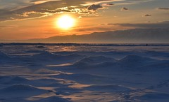 Sunset Baïkal Lake, Siberia - Russia (The Voyageur) Tags: russia russie nikon sibérie siberia baikal lake lac sunset color froid cold hiver winter nikond750 sun passion wave vague ice glace iceberg nature dof sky